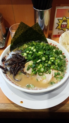 「Ramen with toppings」@九州大分らぁめん たまがった 神奈川新町本店の写真
